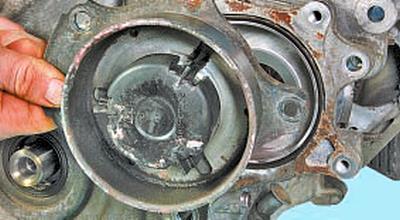 Замена водяного насоса Тойота Королла 10 Аурис