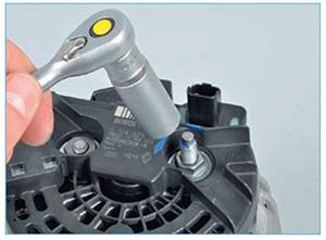 Snjatie-generatora-zamena-reguljatora-11.jpg