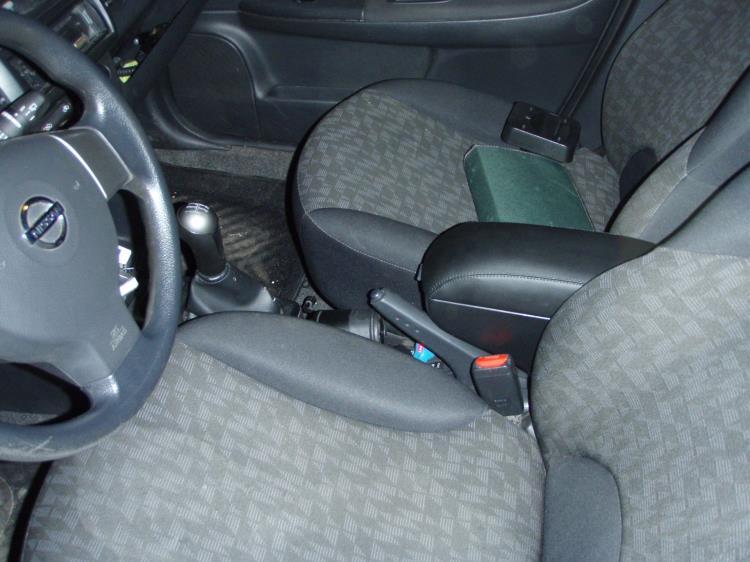 Снятие и установка переднего сиденья Nissan Note 2004 - 2012