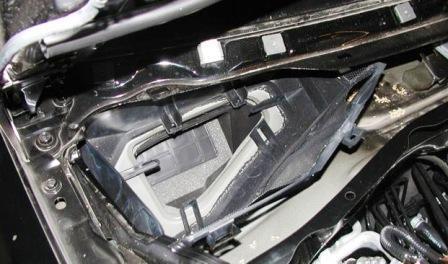 Замена салонного фильтра Ford Escape