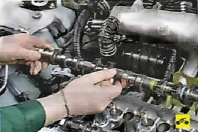 Снятие распределительных валов Nissan Almera Classic