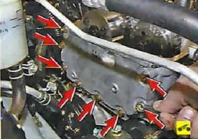 Расположение креплений передней крышки головки блока цилиндров Nissan Almera Classic