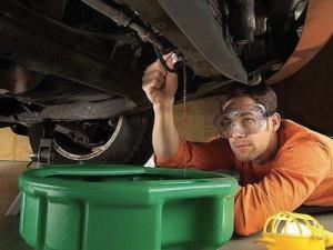 Фото слива охлаждающей жидкости автомобиля, vodi.su