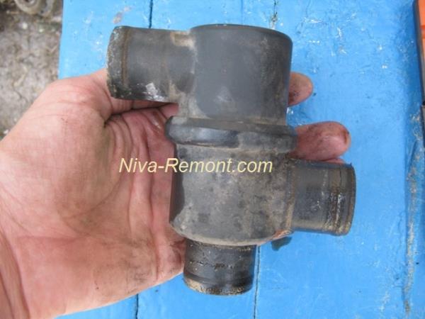 термостат Нивы ВАЗ 2121