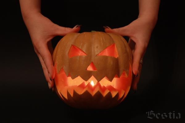 Вырезаем из тыквы фото - Как вырезать тыкву на Хэллоуин: подробная инструкция с фото