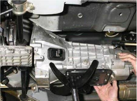 Снятие коробки передач Лада Гранта (ВАЗ 2190)