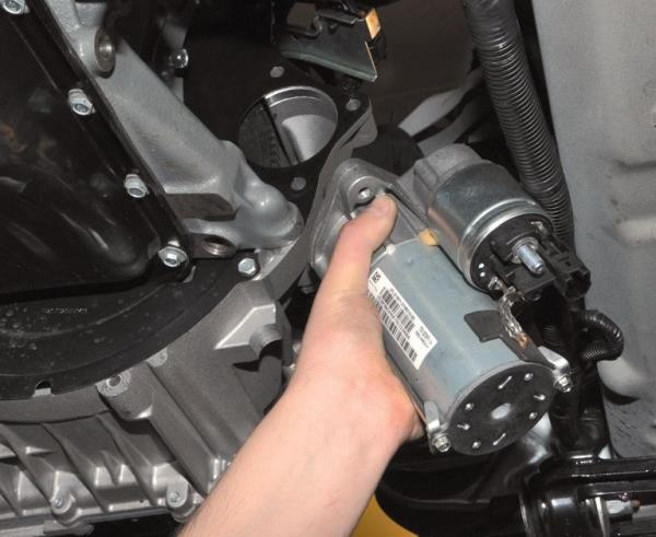 Снятие стартера из двигателя ВАЗ-21126 Лада Гранта (ВАЗ 2190)