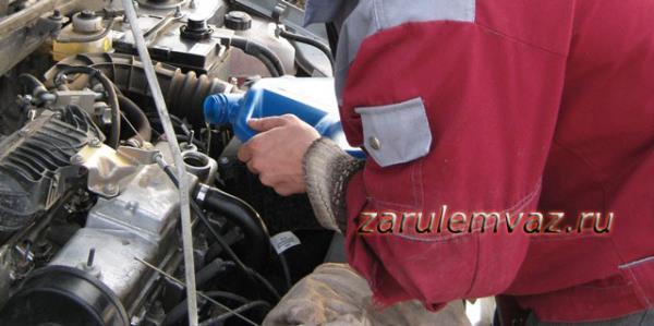 масло в двигатель ВАЗ 2110: какое лучше лить