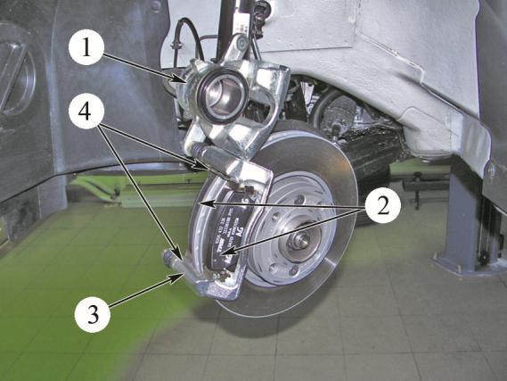 Рисунок 2 – Замена передних тормозных колодок Лада Веста