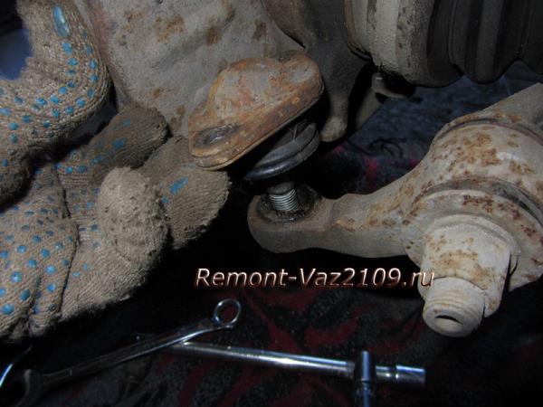 замена шаровых опор на ВАЗ 2109-2108 своими руками