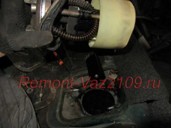 как заменить бензонасос на инжекторном ВАЗ 2109-2108