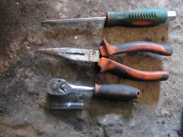 инструмент для замены задних колодок на ВАЗ 2114-2115