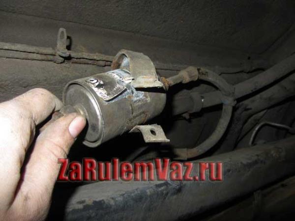замена топливного фильтра на ВАЗ 2114 и 2115