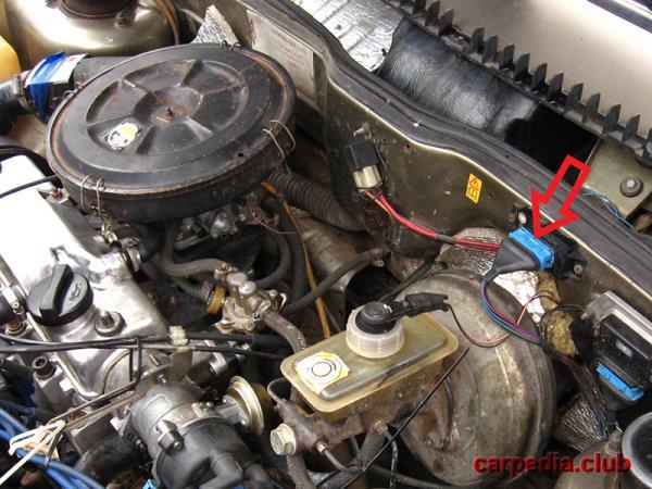 Расположение блока ЭПХХ в автомобиле ВАЗ 21093