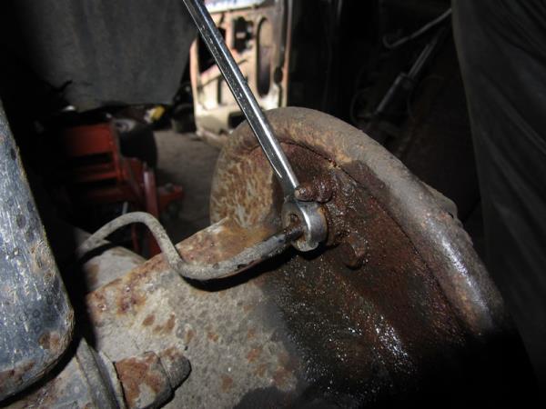 открутить тормозную трубку на ВАЗ 2114-2115