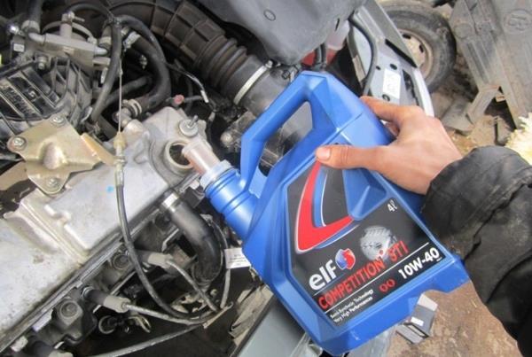 замена масла в двигателе ВАЗ 2110-2111
