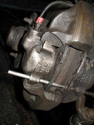 замена передних тормозных колодок на ваз 2107-4