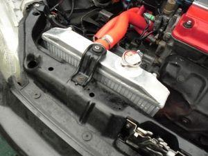 Почему холодный нижний патрубок радиатора? Список возможных проблем и их починка