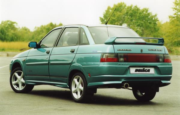 Автомобиль Лада 2110