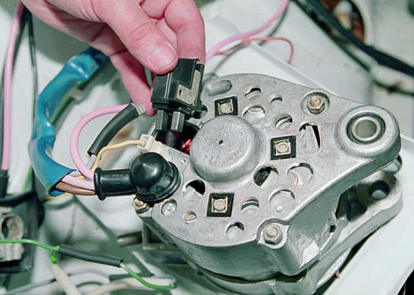 Замена щеток генератора на ВАЗ-2106