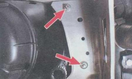 Откручиваем крепления передней фары на ВАЗ 2108, 2109, 21099