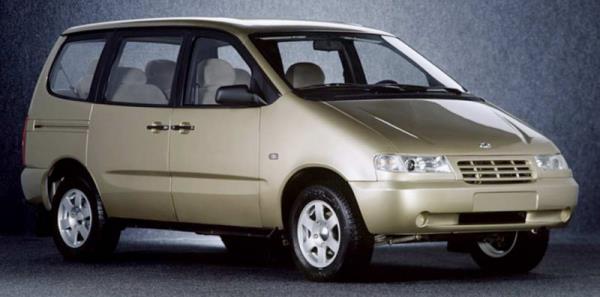 Мини-вэн ВАЗ-2120 «Надежда» после рестайлинга (2002 г.)