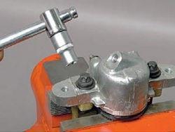 Винты крепления тормозного цилиндра к суппорту Лада Гранта (ВАЗ 2190)