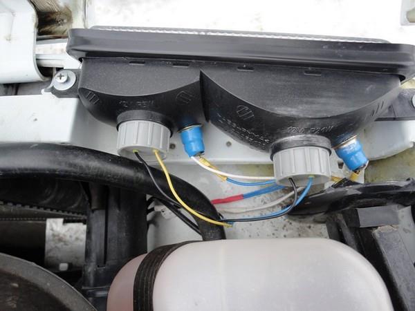 Комбинация габаритов и поворотников в надфарнике для НИВЫ