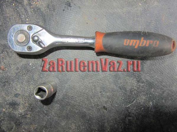 необходимый инструмент для замены модуля зажигания на ВАЗ 2114