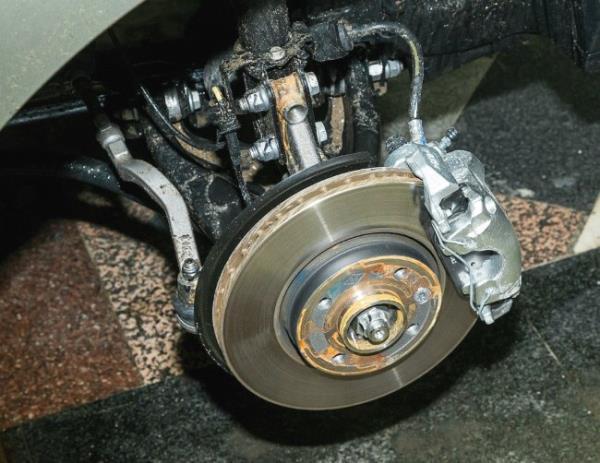 Передние дисковые тормоза Лады Икс Рей