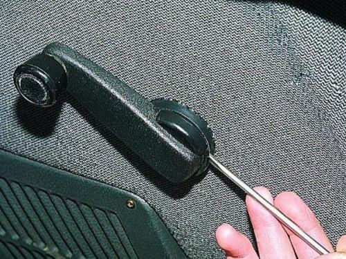 замена ручки стеклоподъемника