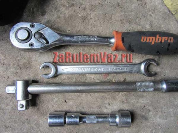 инструмент для замены тормозных дисков на ВАЗ 2114 и 2115
