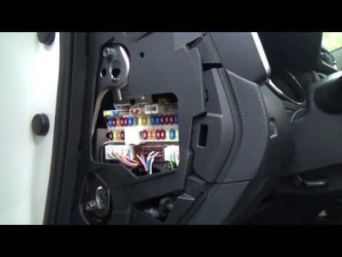 Замена предохранителей прикуривателей в Nissan Qashqai