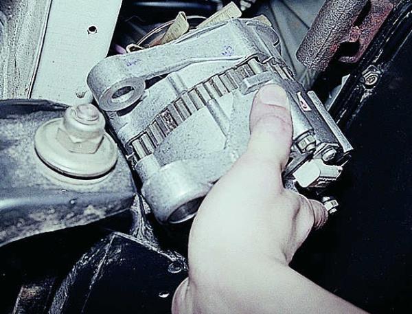 напряжение генератора ваз 2106