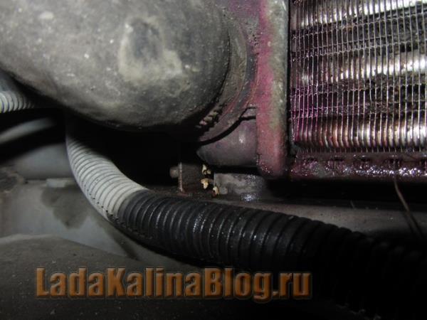 потек радиатор охлаждения двигателя на Калине