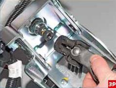 Снятие промежуточного карданного вала рулевого управления Лада Гранта (ВАЗ 2190)