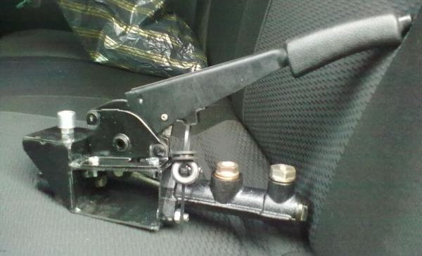 Ручник ВАЗ-2106