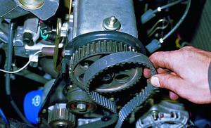 На фото - ремень генератора ВАЗ 2109, vaz-autos.ru