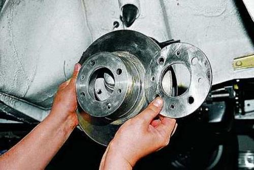 Замена тормозного диска семерки