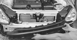 snjatie-zamena-ustanovka-radiatora-sistemy-okhlazhdenija-lada-priora 14