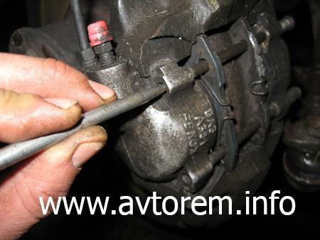 Замена передних тормозных колодок на автомобиле Ваз 2101, 2106, 2107