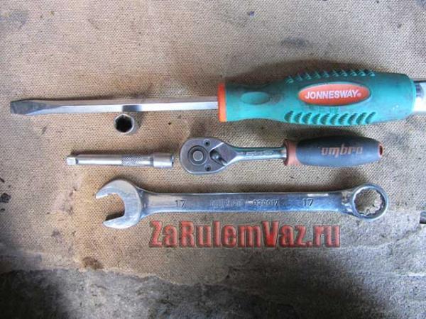необходимый инструмент для замены помпы на ВАЗ 2114