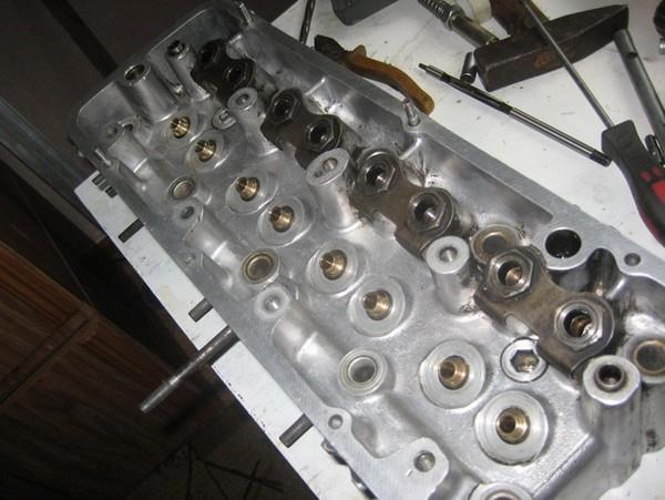 ГБЦ прирезка седел и притирка клапанов ВАЗ 2101
