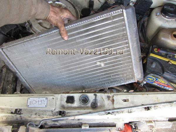 замена радиатора охлаждения двигателя на ВАЗ 2109-2108