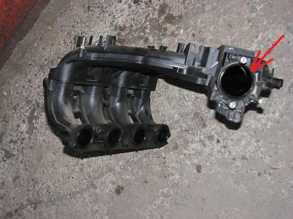 Размещение уплотнителя фланца крепления дроссельного узла двигателя ВАЗ-21126 Лада Гранта (ВАЗ 2190)