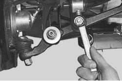 snjatie-zamena-ustanovka-stabilizatora-poperechnoj-ustojchivosti-lada-priora 04