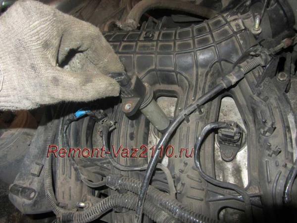 как снять катушку на 16 кл. двигателе ВАЗ 2110-2112