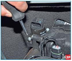 Снятие крепления регулятора к корпусу воздушного фильтра Lada Largus