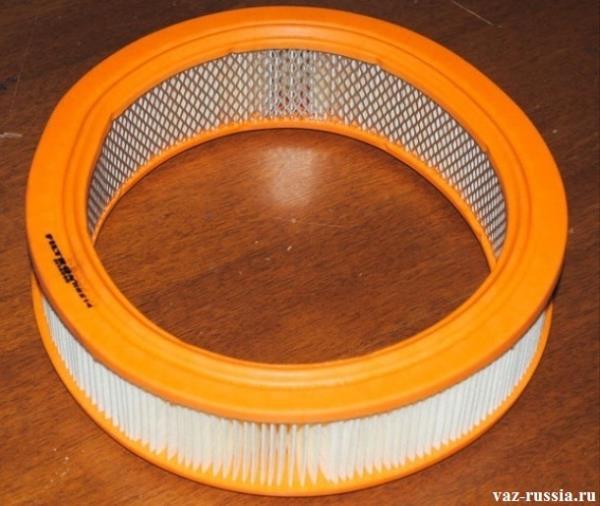 Стандартный воздушный фильтр карбюраторной системы