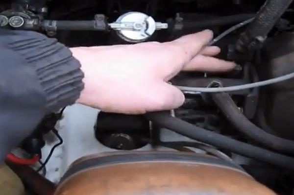 Крепление на защёлках. Ремонт главного тормозного цилиндра ВАЗ - видео, инструкция
